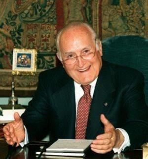 Oscar Luigi Scalfaro, la stessa scelta che fu di De Gasperi e Moro.